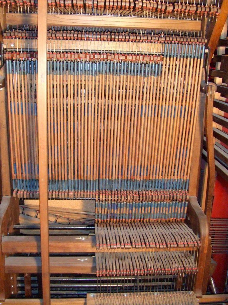 Intérieur Orgue (source lesamisdesorguesdelodeve.org)